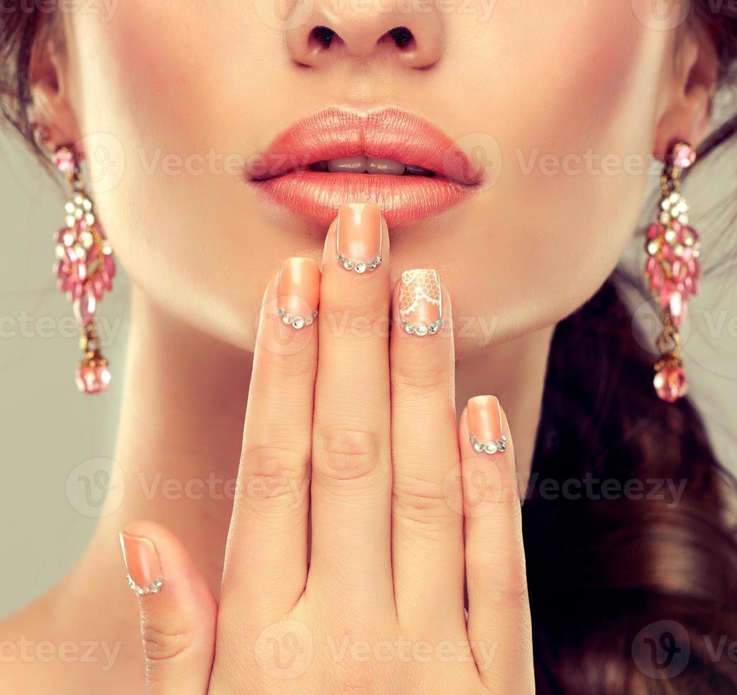 Maquillaje para ojos y labios. foto