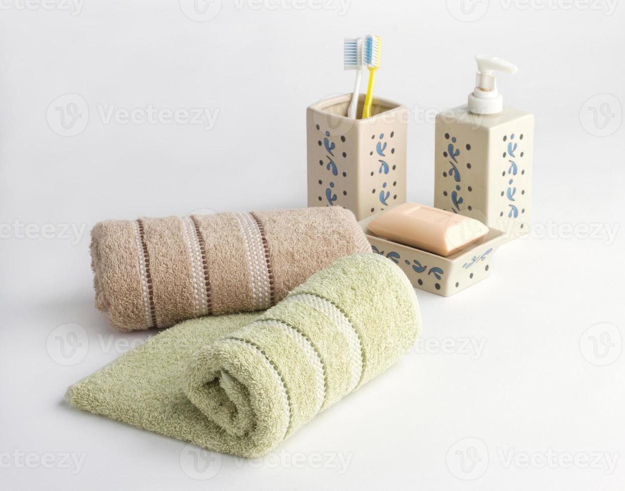 towels and bathroom accessories photo