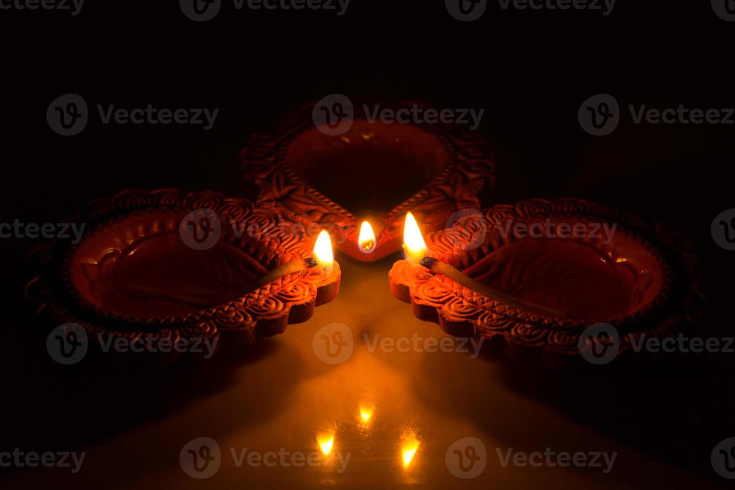 hermosas diwali candels foto
