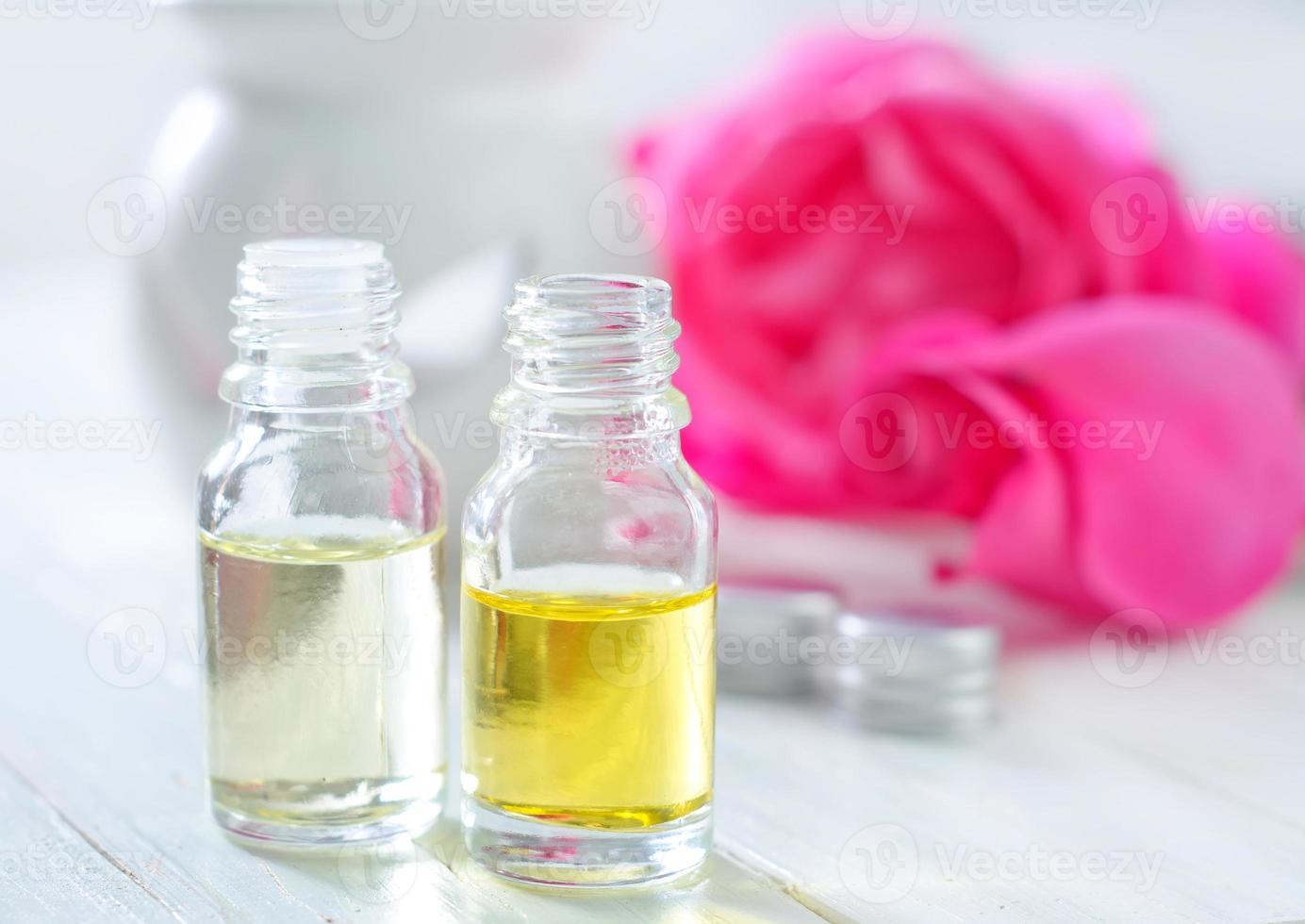 rose oil photo