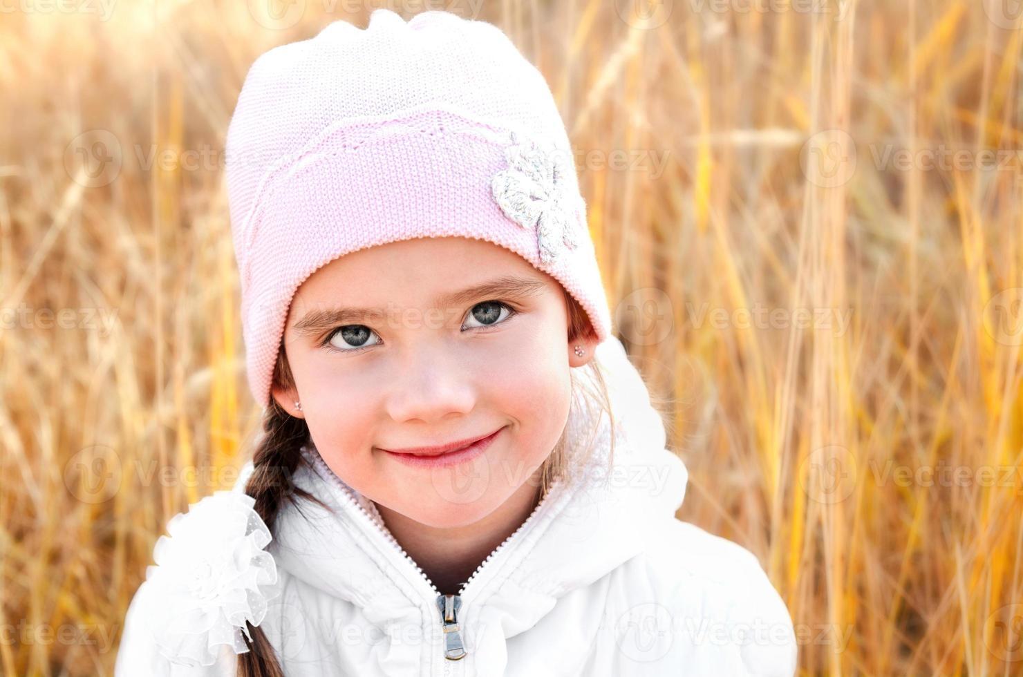 otoño retrato de niña adorable foto