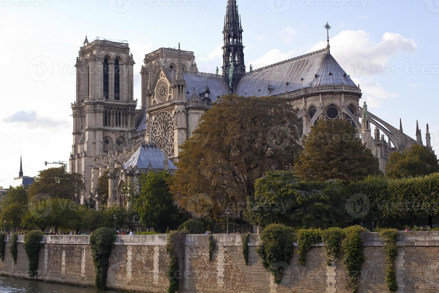 Notre Dame in Paris photo