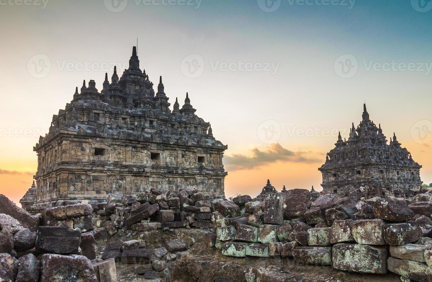 templo plaosan en java indonesia foto