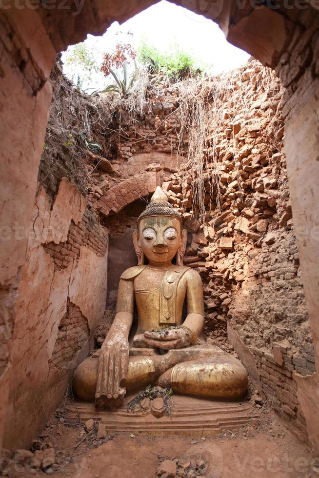 Old Buddha,Shwe Indein Pagoda photo
