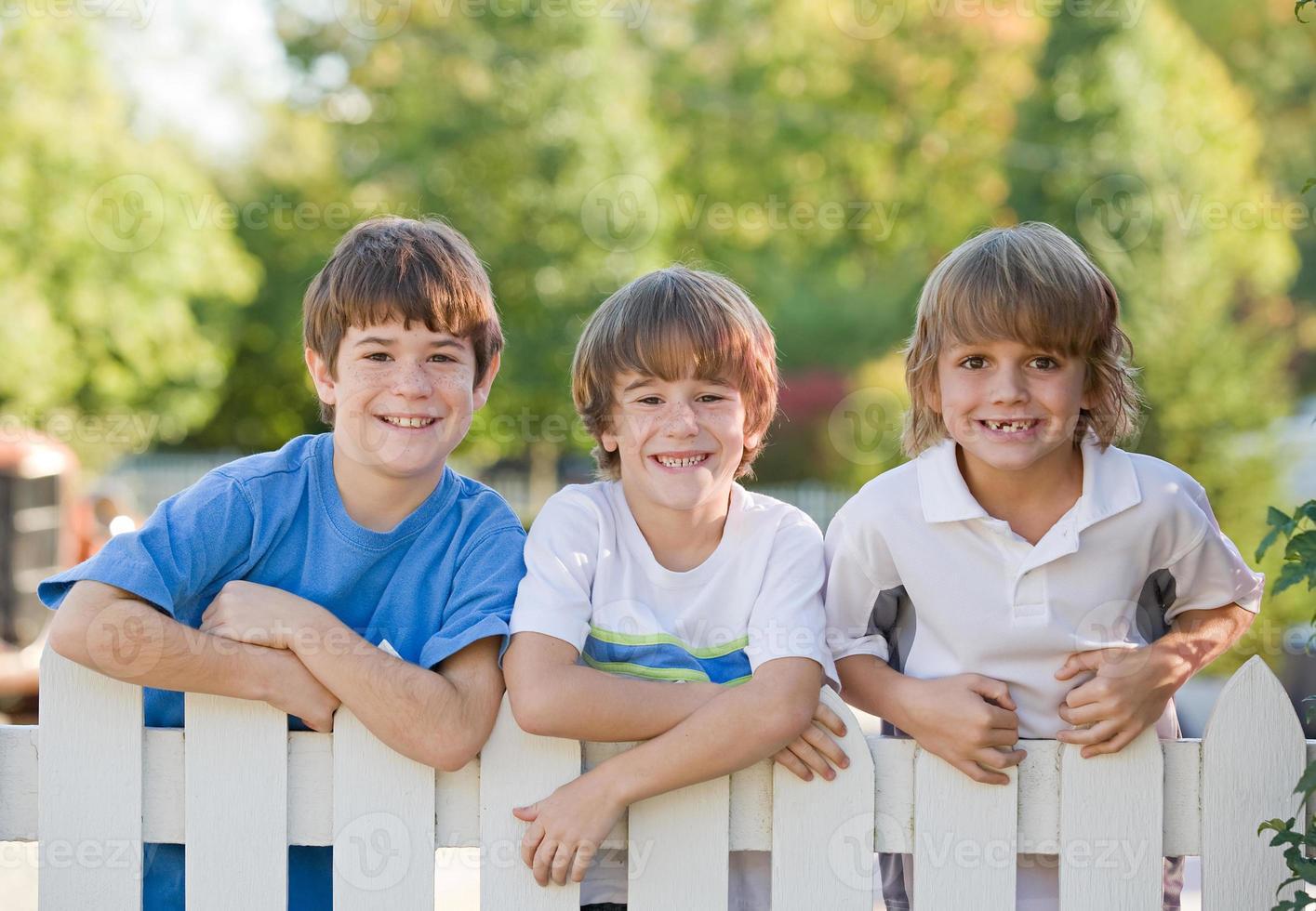 drie jongens foto