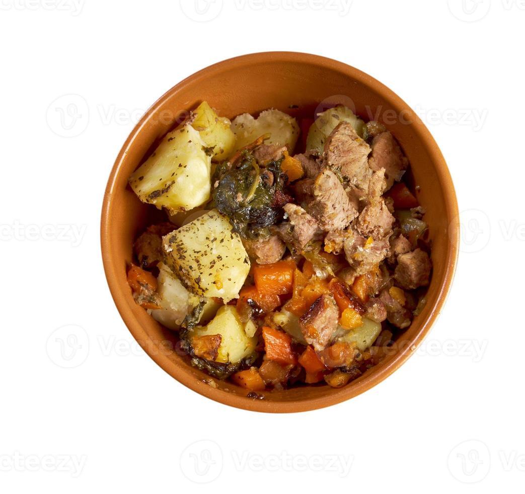 estofado con zanahorias y papas foto