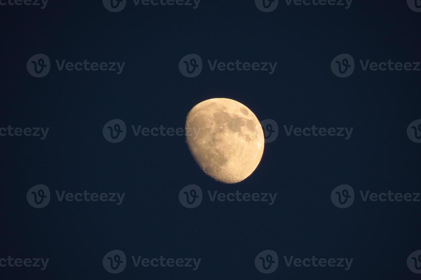 luna llena amarilla foto