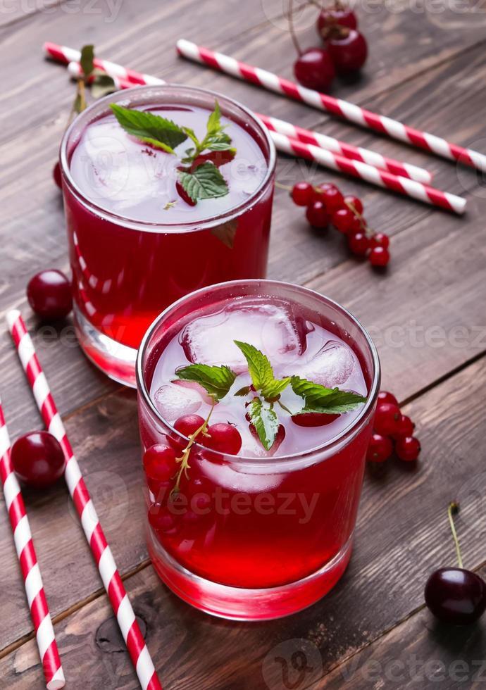 bebida fría de bayas foto