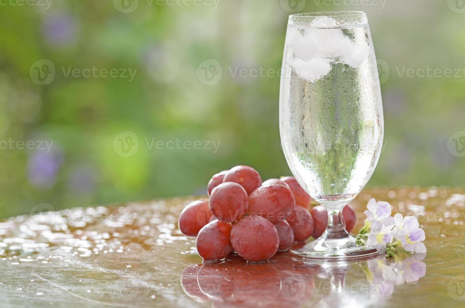 agua potable fresca foto
