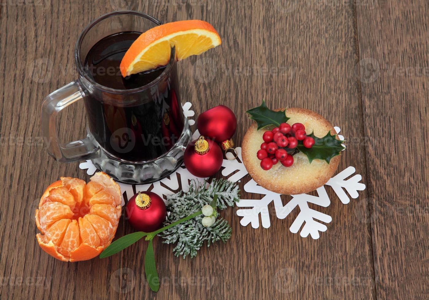 comida y bebida navideña foto