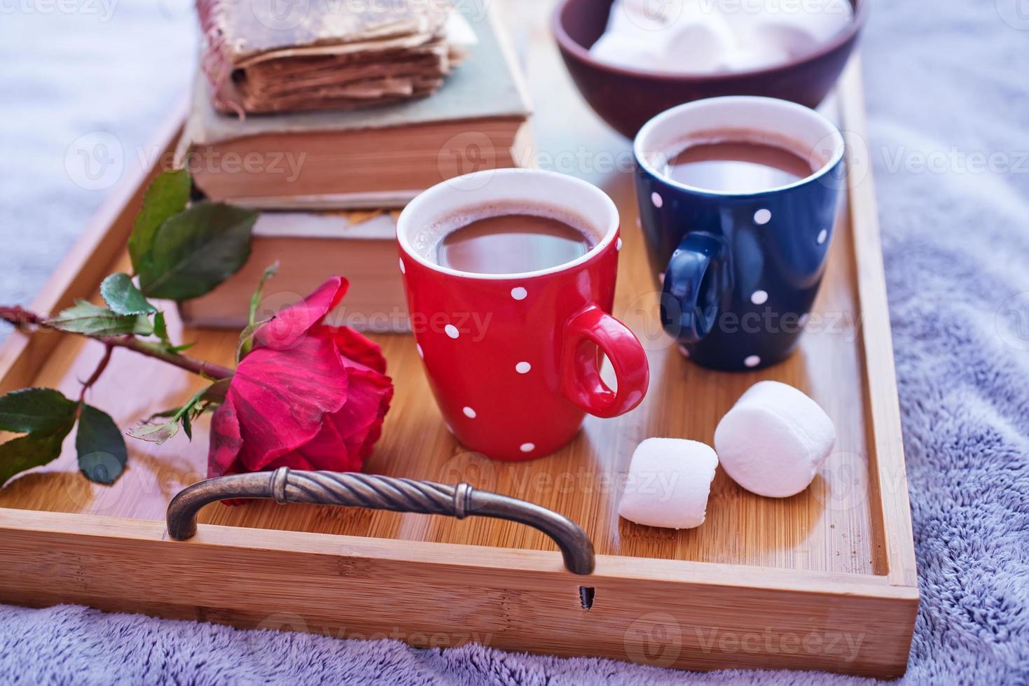 bebida de cacao en tazas foto