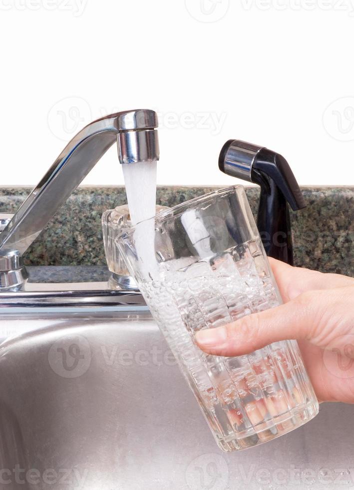 agua potable con un presupuesto foto