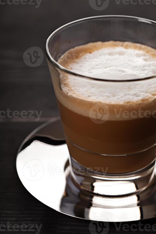 bebida de café cortado en vidrio foto