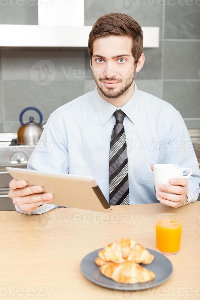ontbijt doen en koffie drinken foto