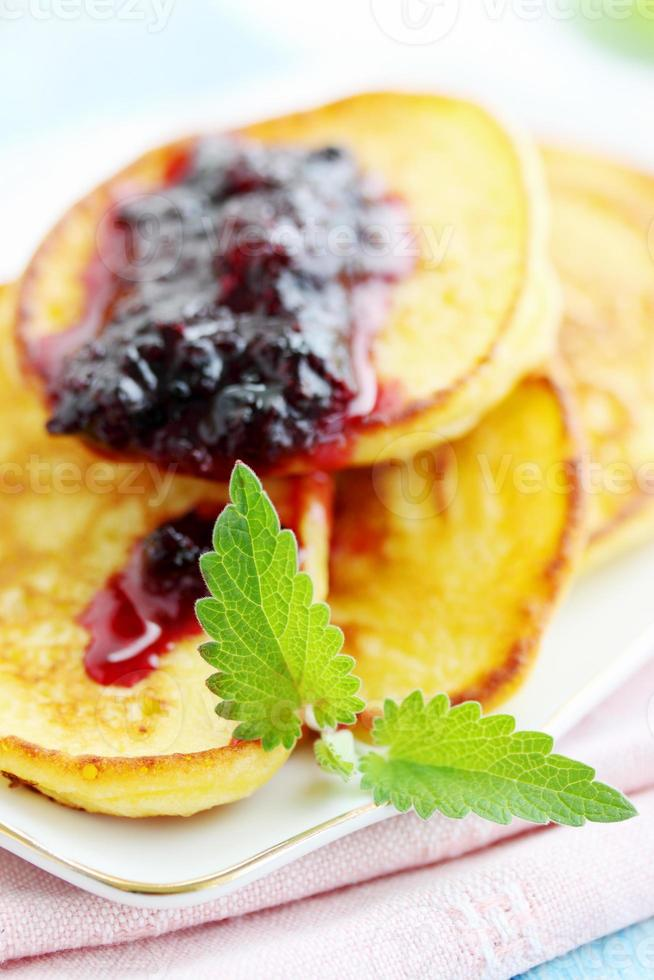 pancakes with mint photo