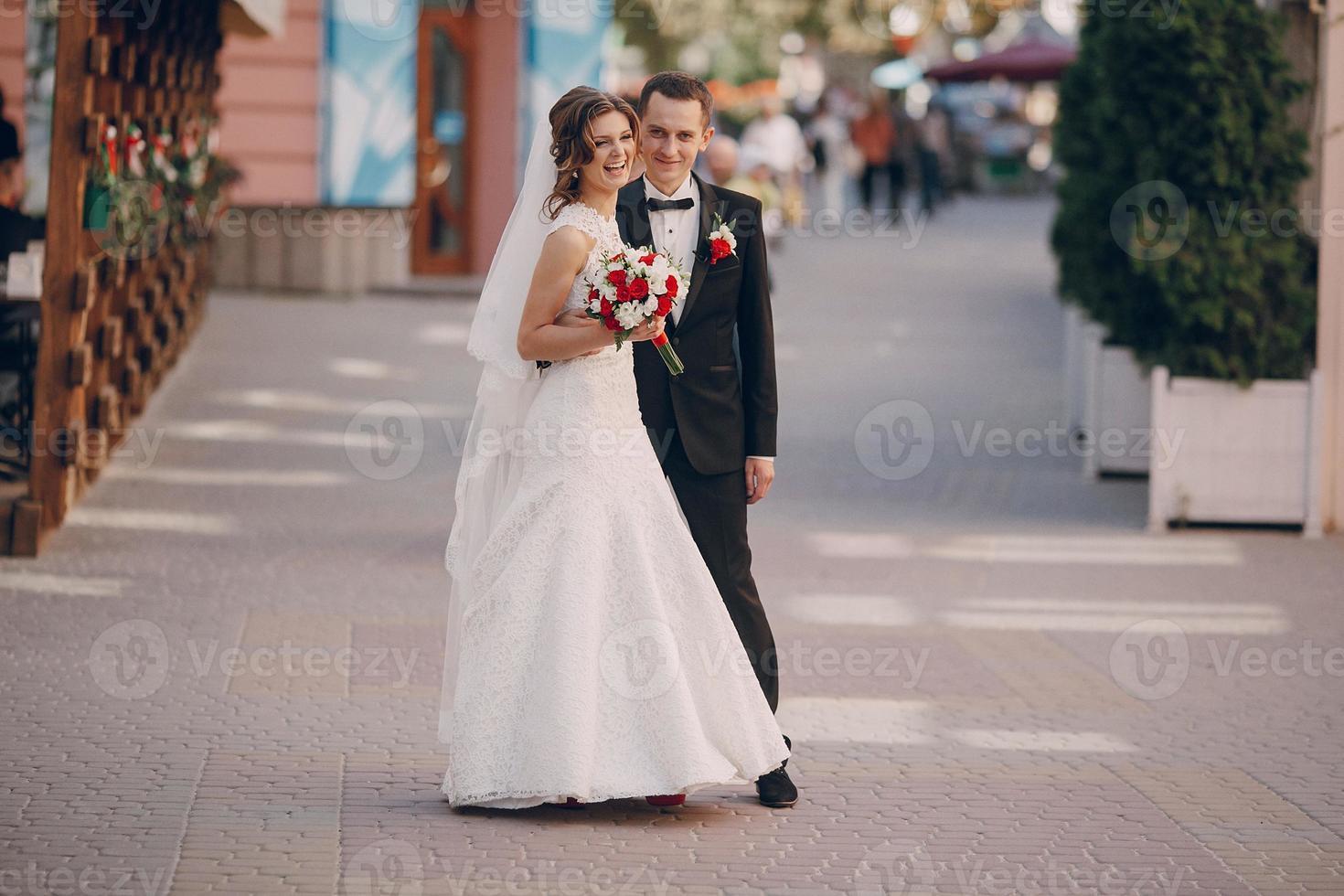 wedding day beautiful couple photo