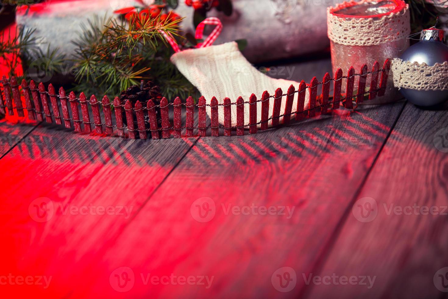 Fondo de Navidad en mesa de madera y espacio de copia foto