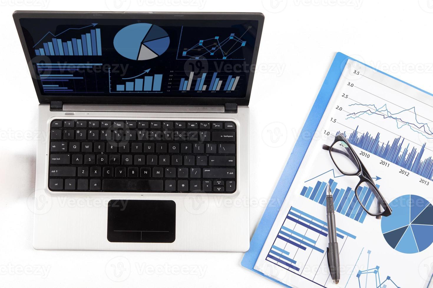 análisis financiero con gráfico de negocios 1 foto
