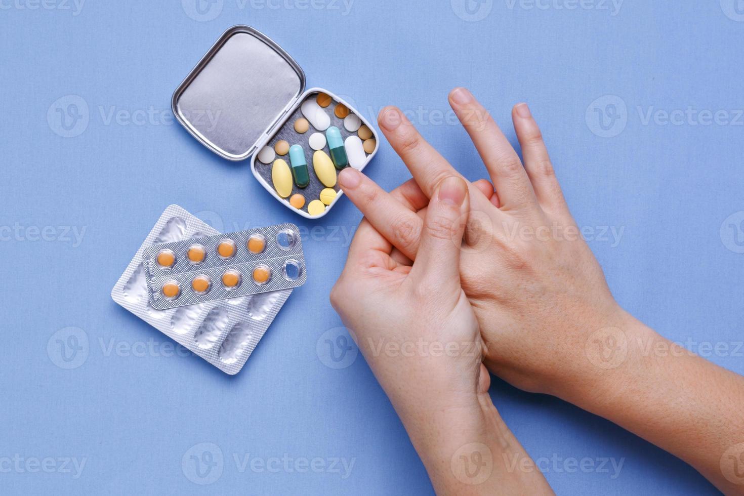 dolor de dedos y articulaciones foto