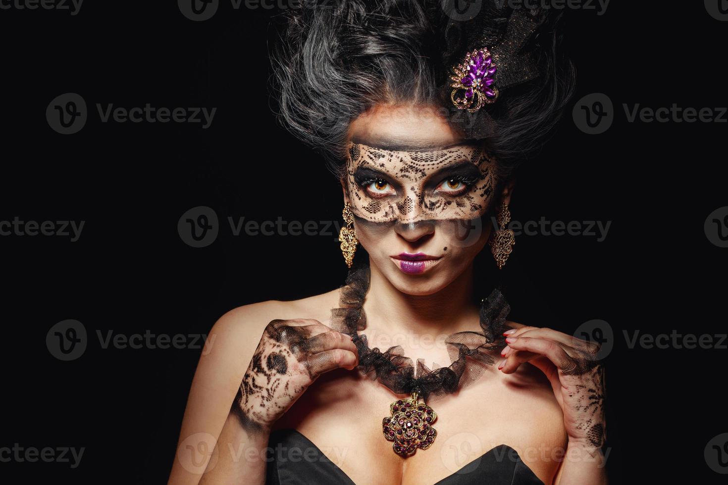 niña con máscara de disfraces foto