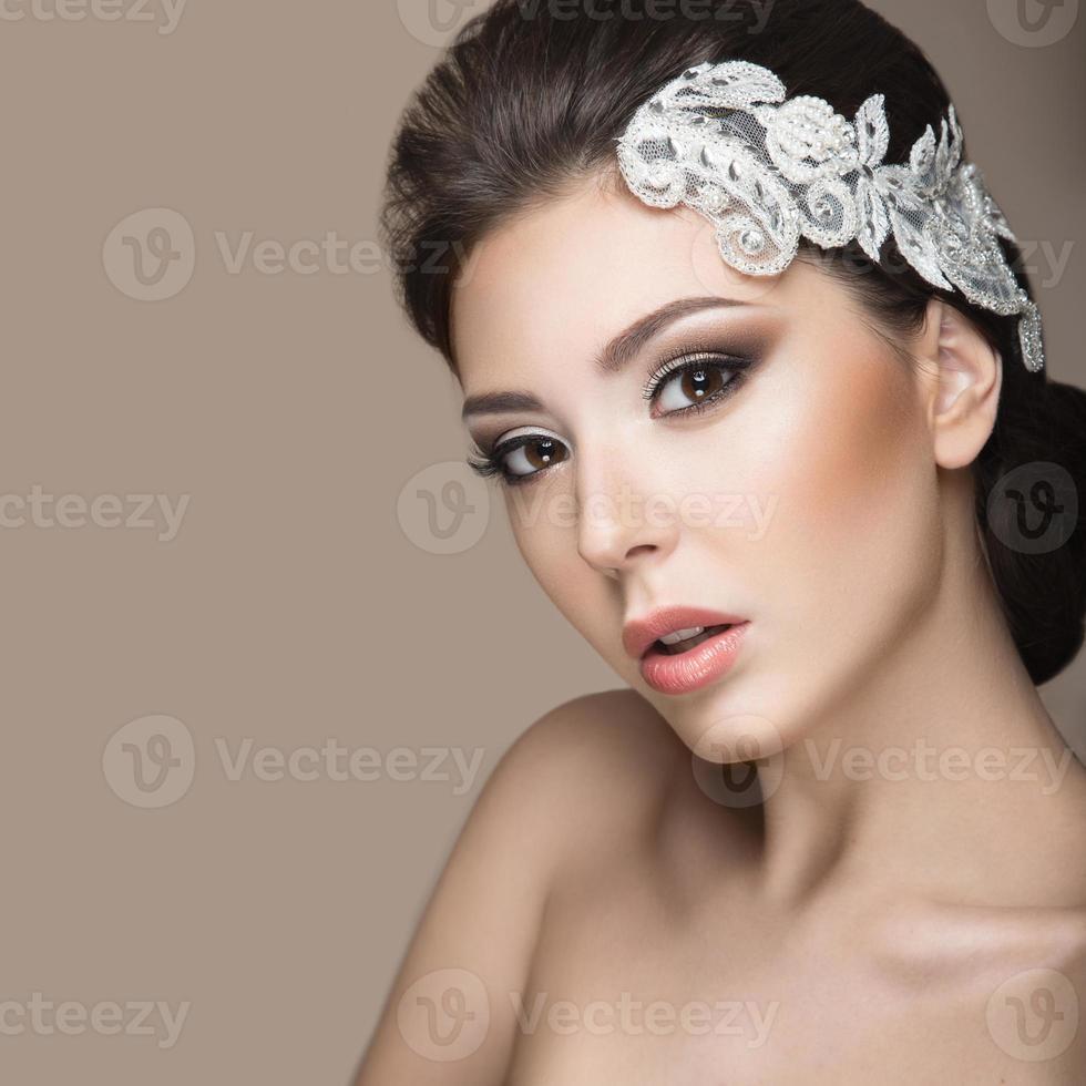 mujer hermosa en la imagen de la novia foto