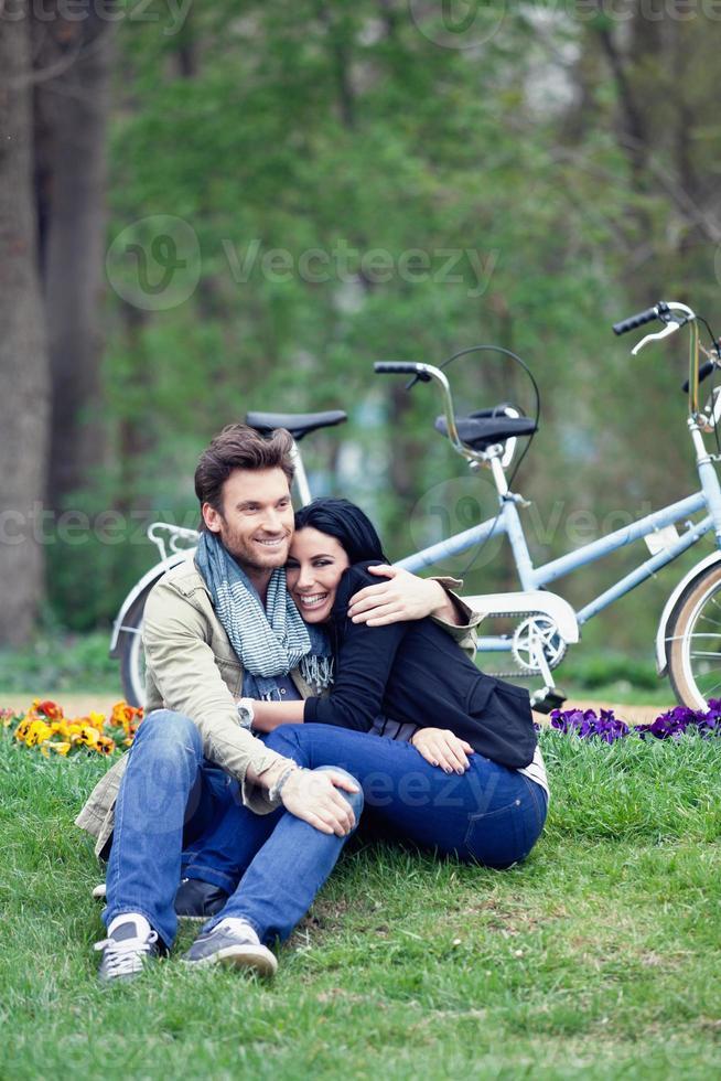 pareja en el parque foto
