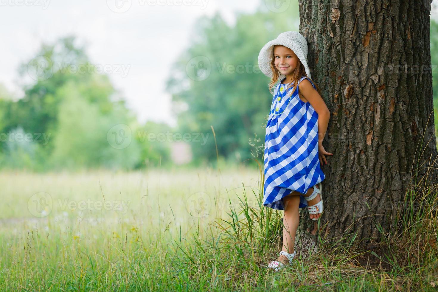 chica en el parque foto