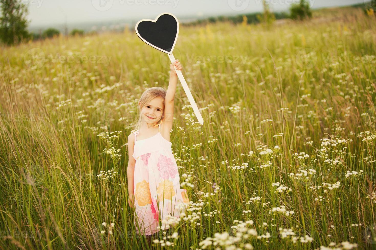 niña con amor placa foto