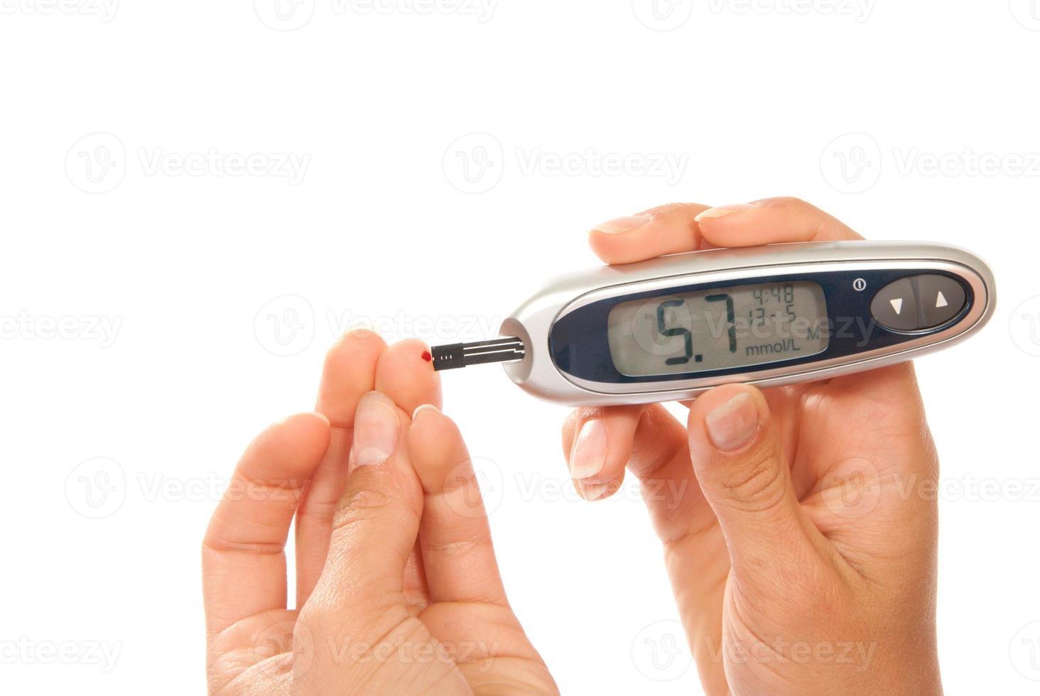 diabetes que mide el nivel de glucosa en sangre foto