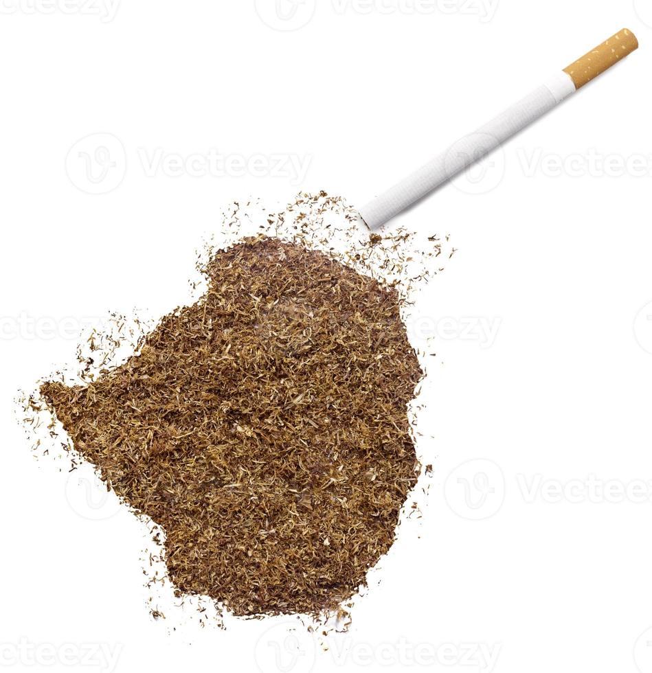 cigarrillo y tabaco con forma de zimbabwe (serie) foto