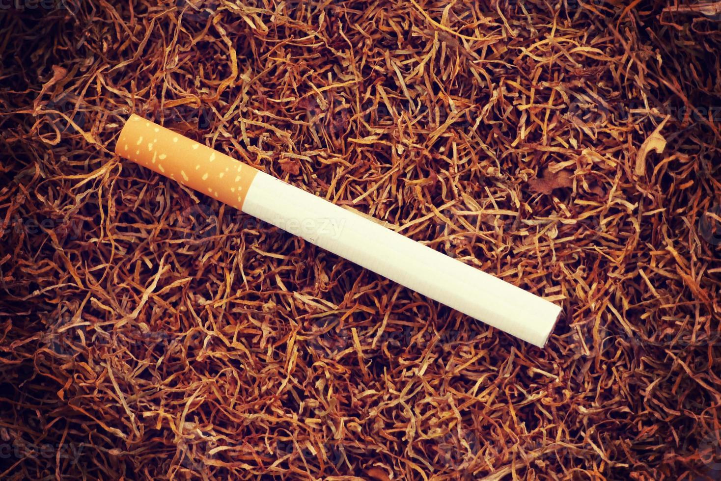 cigarrillo viejo estilo vintage retro foto