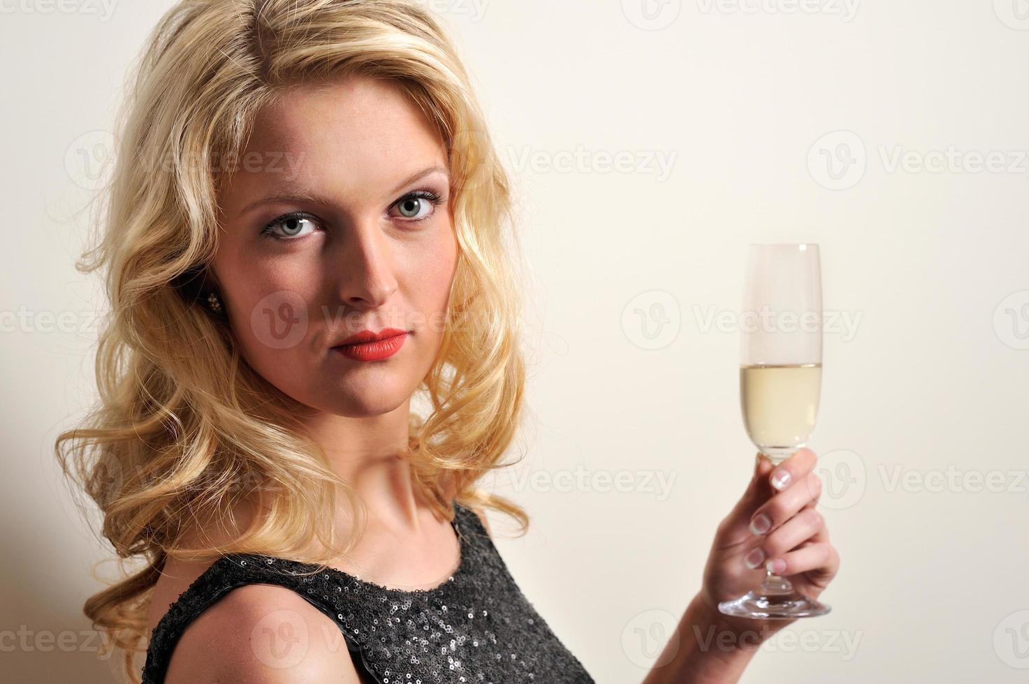 criando champaña foto