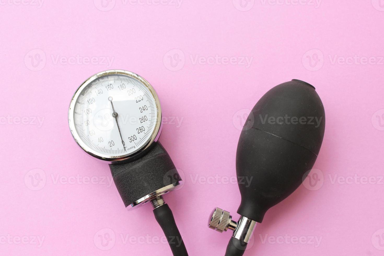 medidor de presión arterial equipo médico foto