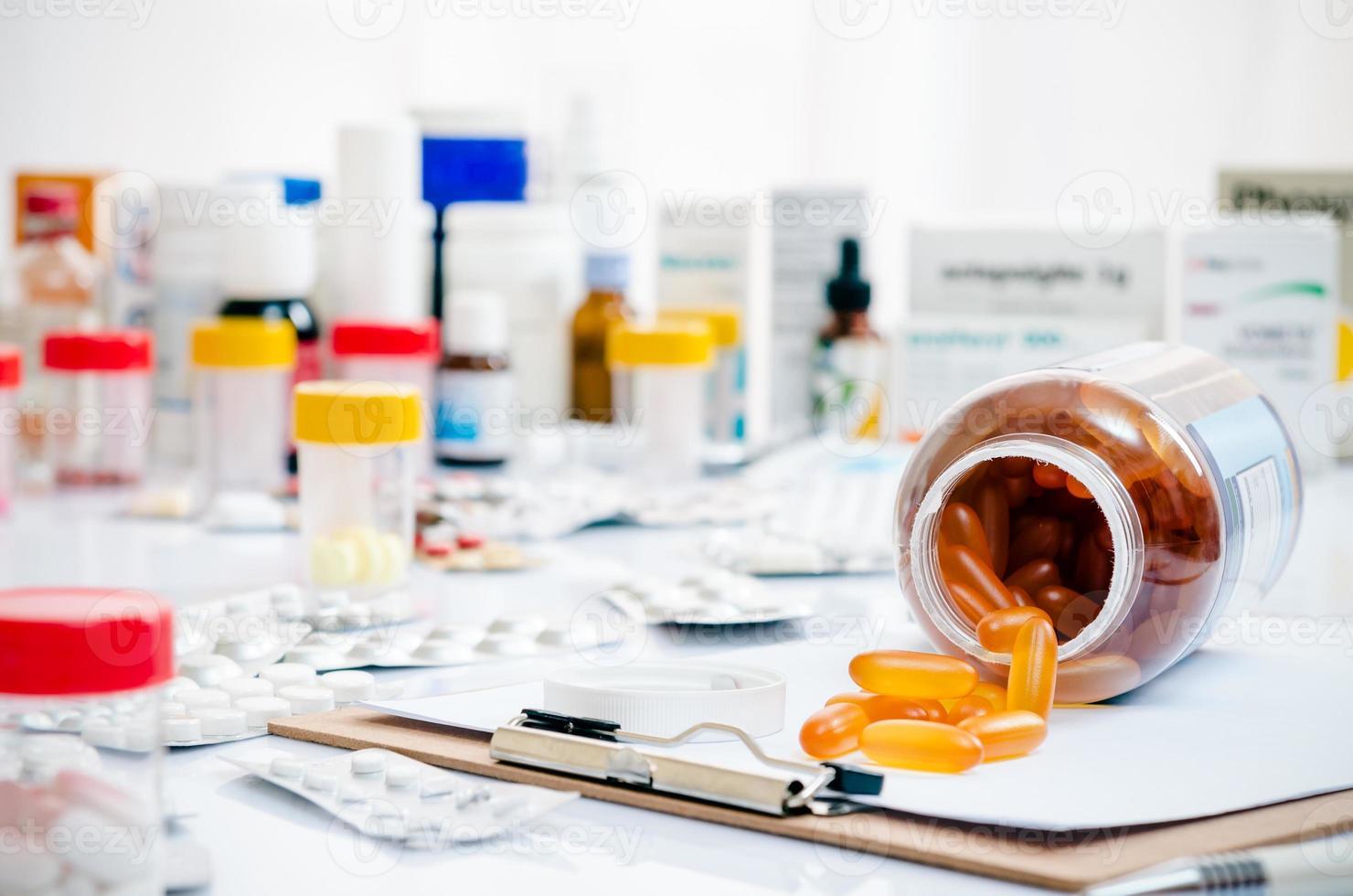 medicina cápsulas y tabletas foto