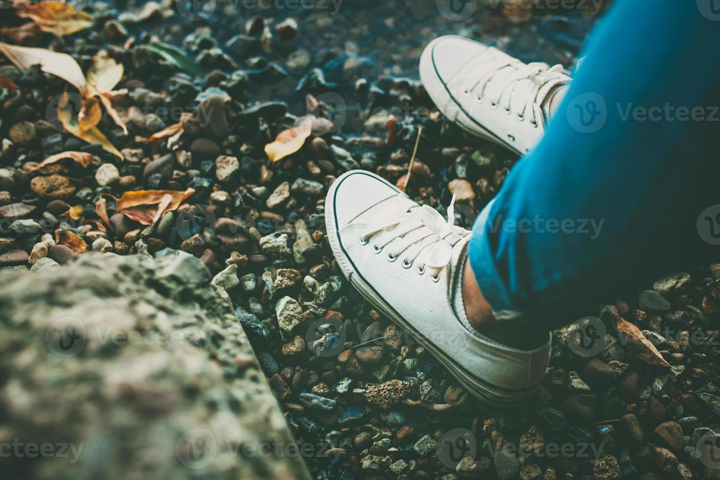 zapatos adolescentes blancos foto
