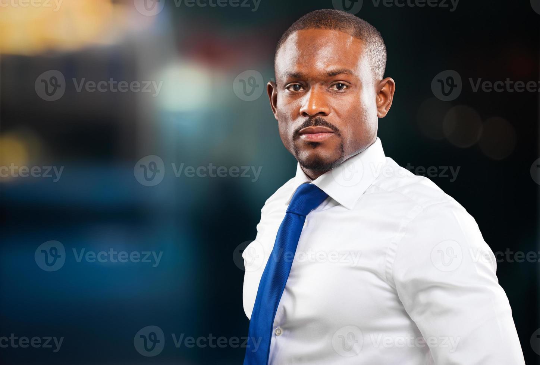 Retrato de gerente masculino negro confidente foto