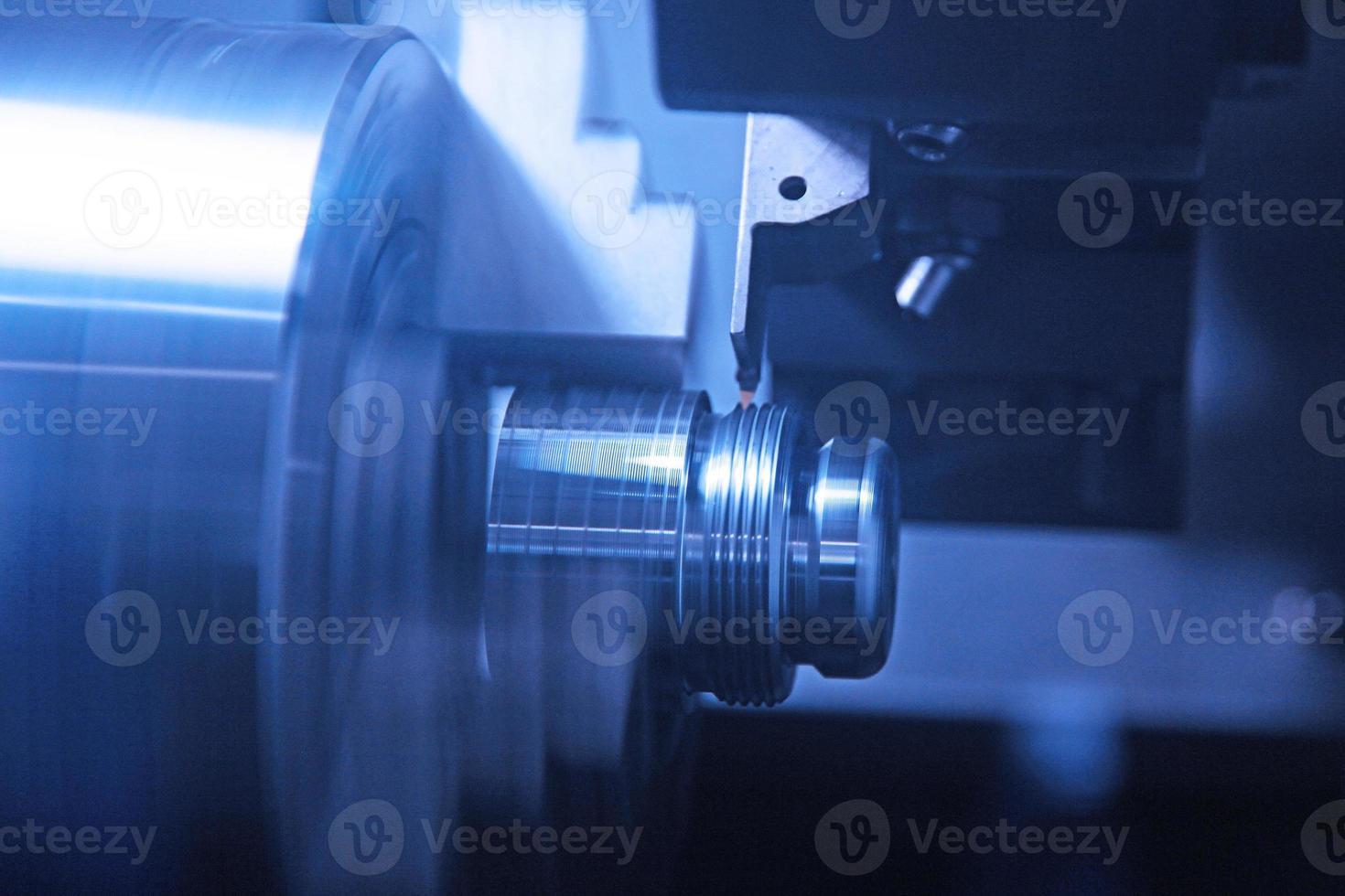 Primer plano de una máquina cnc en el trabajo. foto