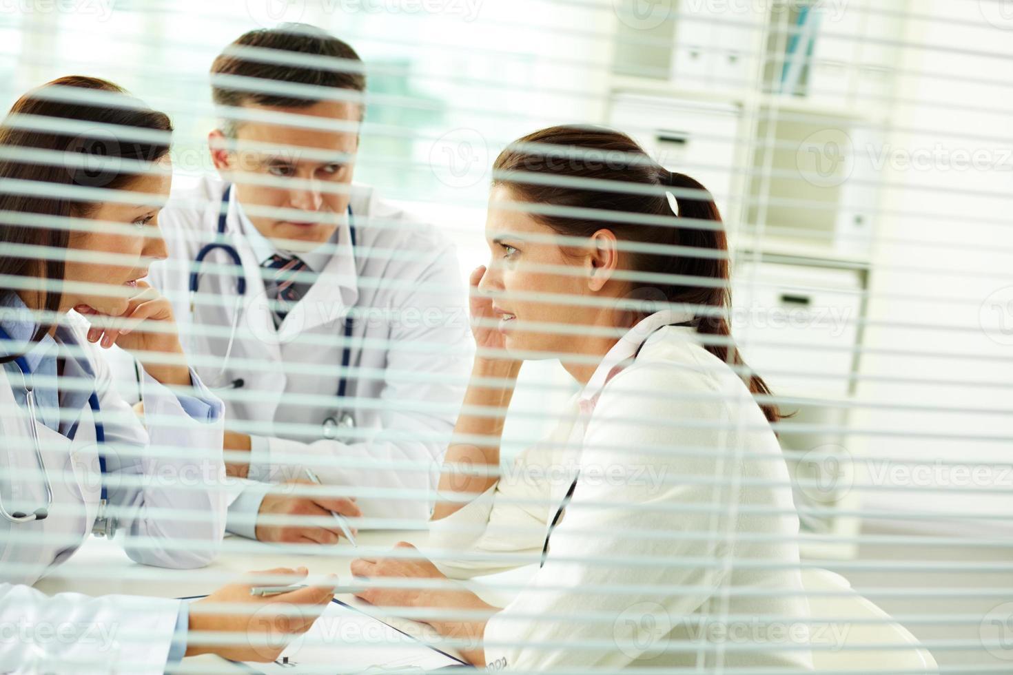 Medical consultation photo