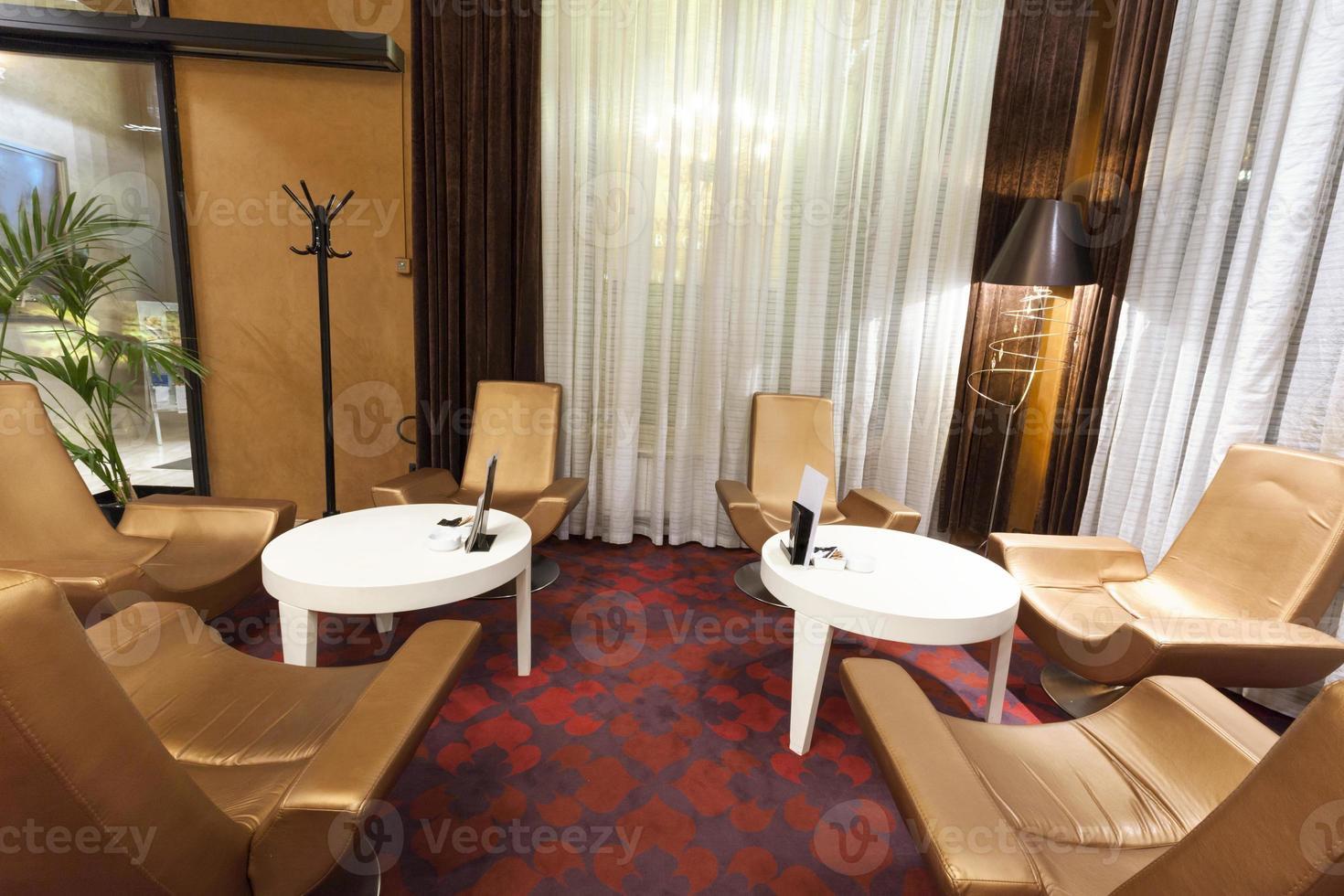 área del salón del hotel foto