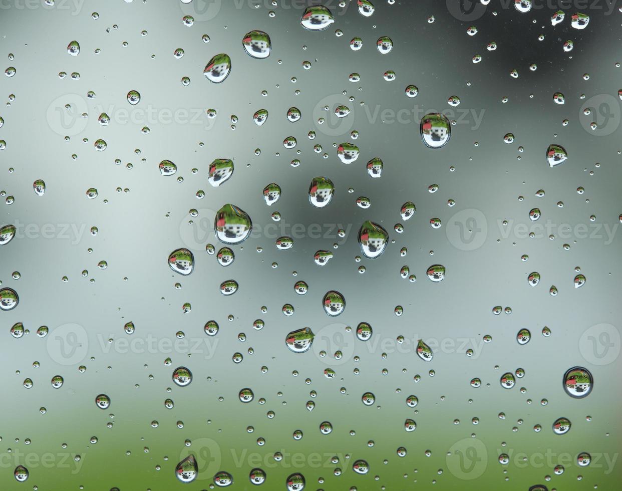 Raindrop patterns photo