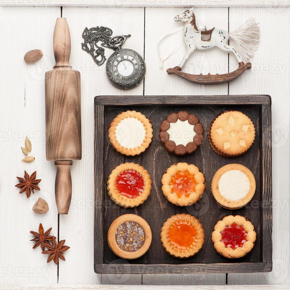 galletas navideñas y decoración navideña foto