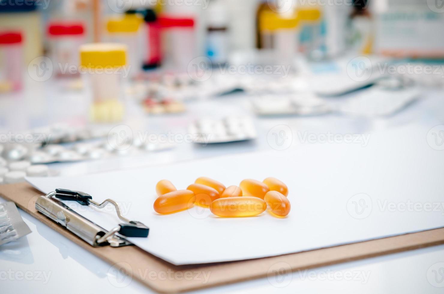 cápsulas de medicina foto