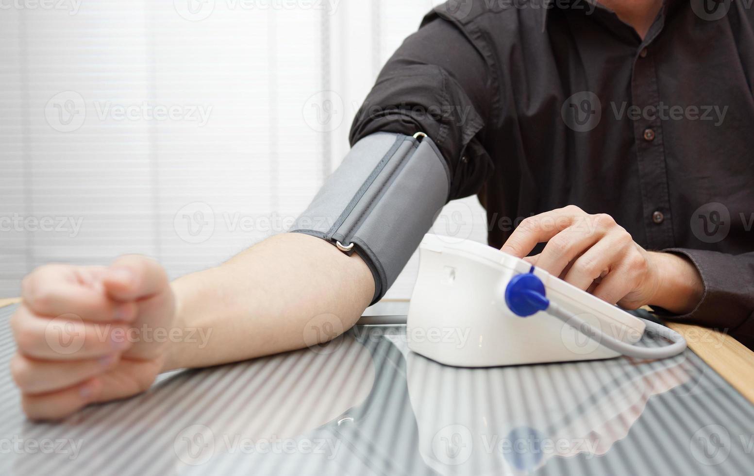 control de la presión arterial foto