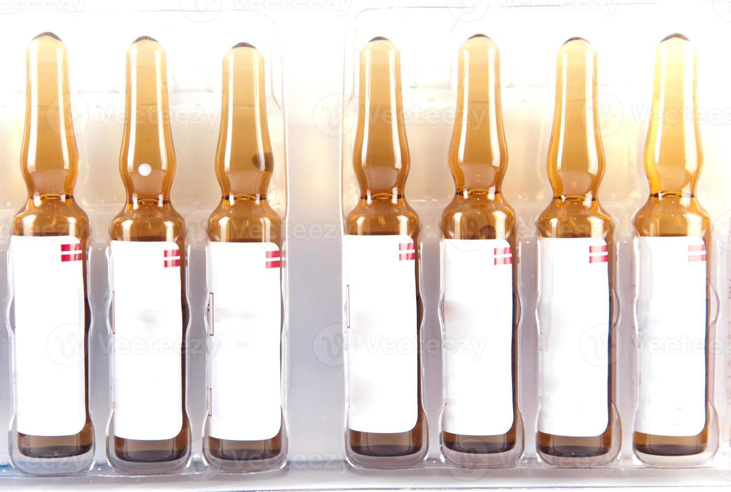 ampolla de inyección de medicamentos foto
