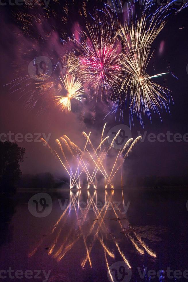gran fuego artificial foto