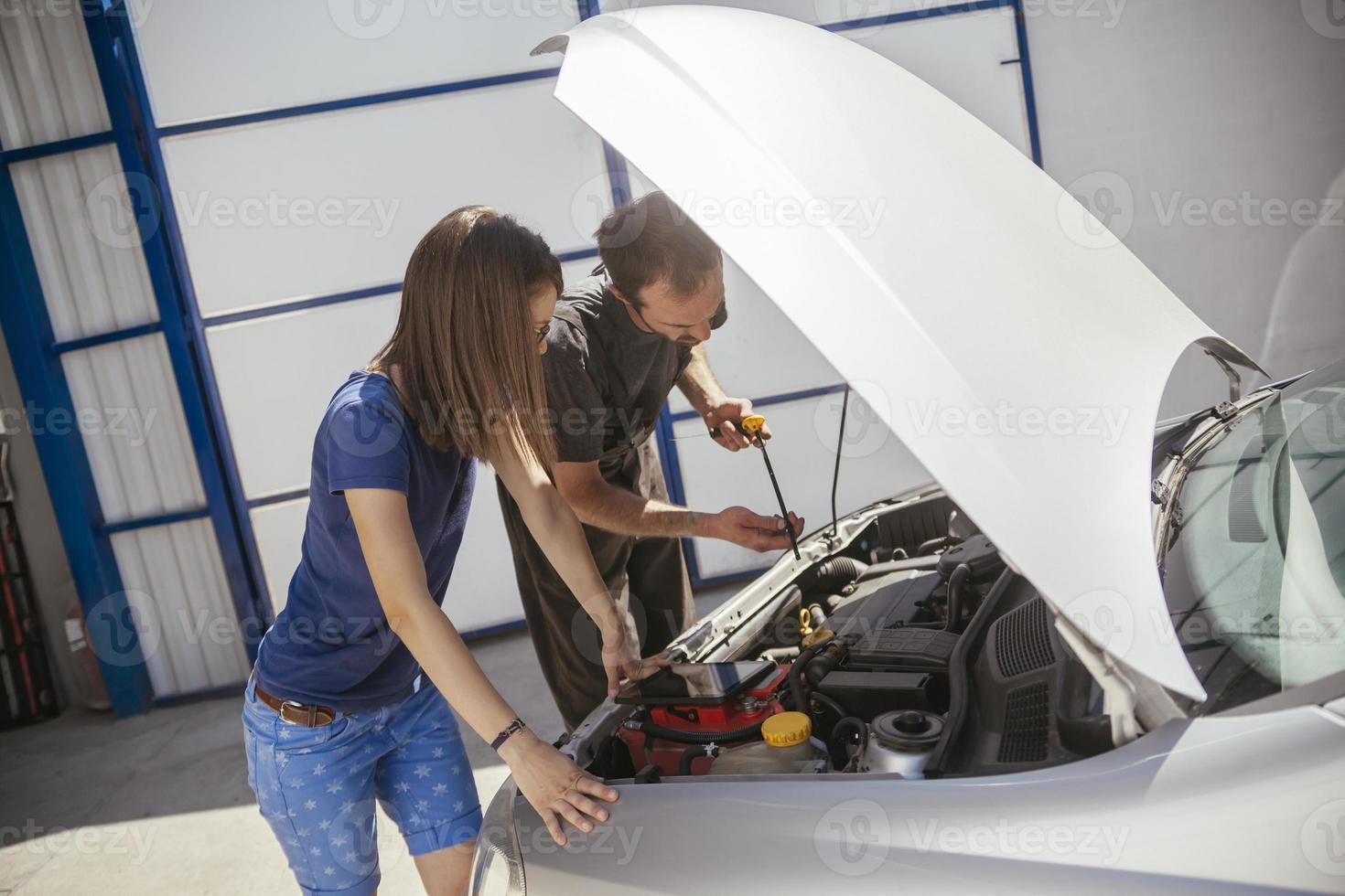 In Auto Service photo