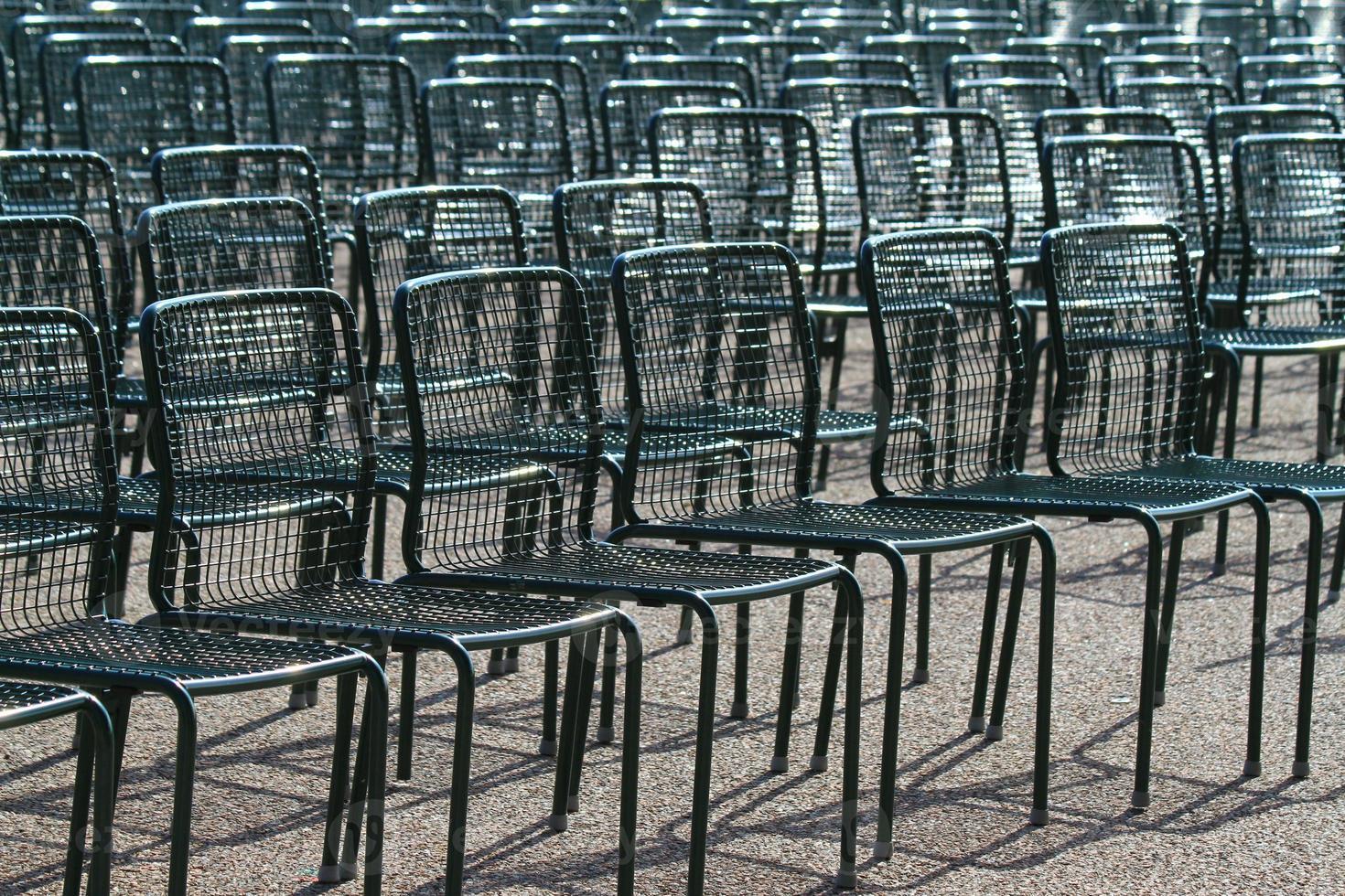 sillas vacías foto