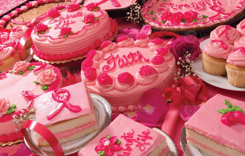 celebración de tortas de cáncer de mama foto