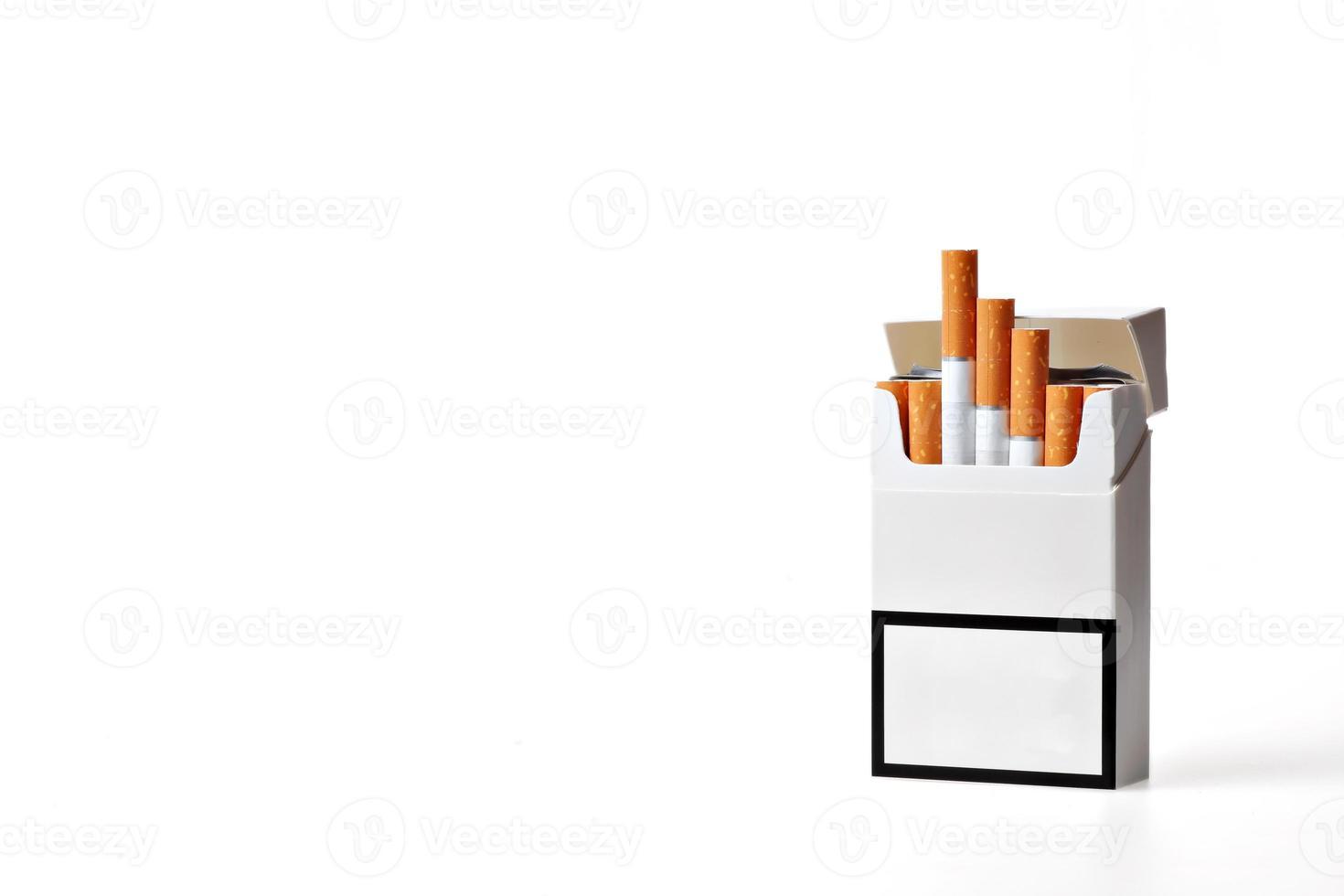 paquete de cigarrillos foto