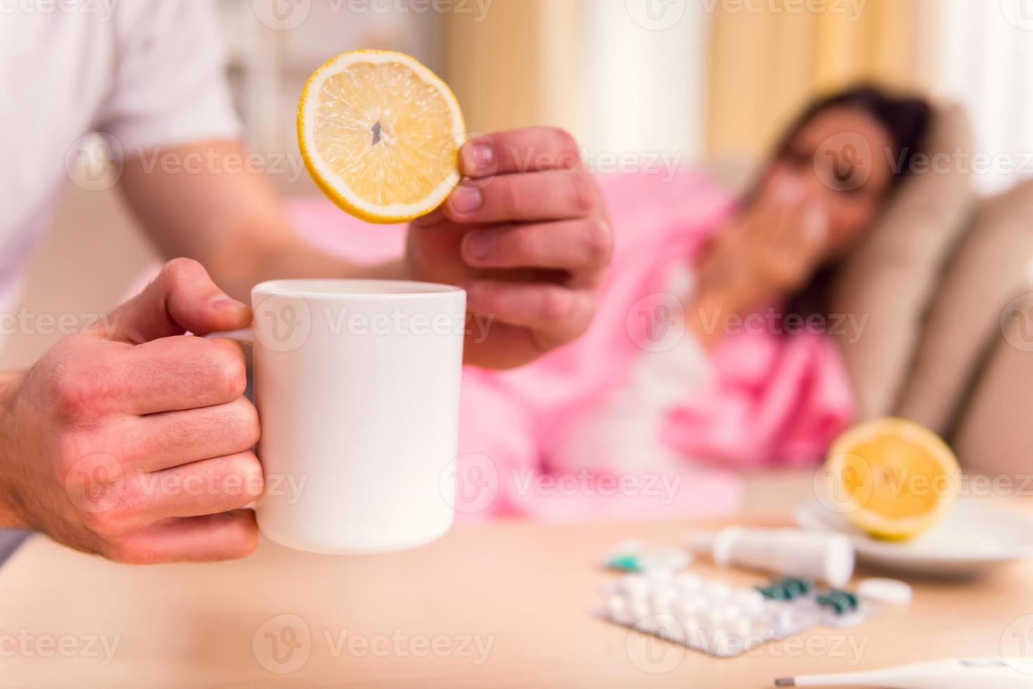 mujer joven enfermedad foto